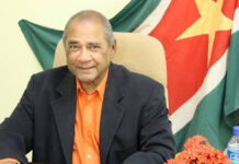 Oud-ambassadeur Sonny Hira overleden