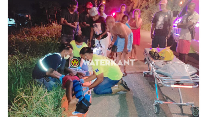 Voetganger geschept tijdens inhaalactie automobilist