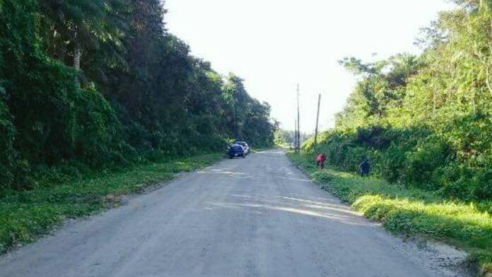 Buurtbewoners barricaderen Gangaram Pandayweg vanwege vertrek Cubaanse artsen-2
