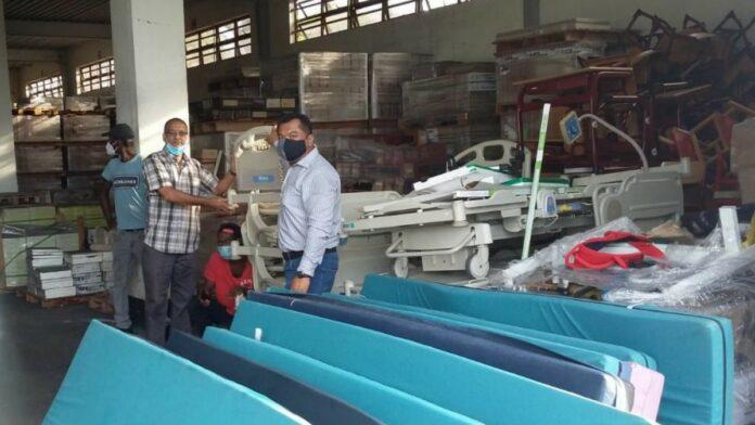 VG Himmat doneert tien ziekenhuisbedden aan 's Lands Hospitaal