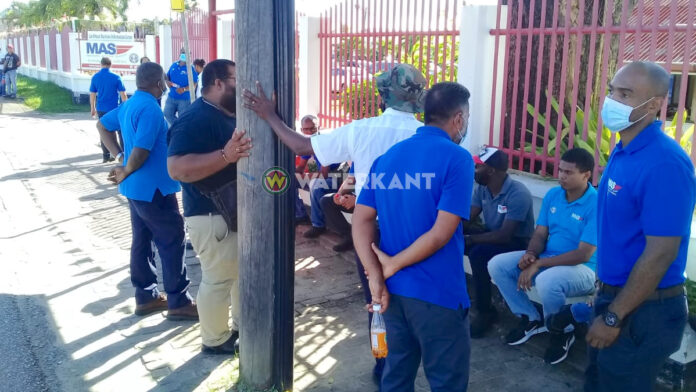 Personeel Maritieme Autoriteit Suriname in actie