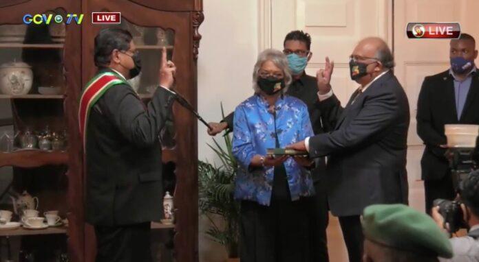 VIDEO: Nieuwe ambassadeur van Suriname in Nederland beëdigd