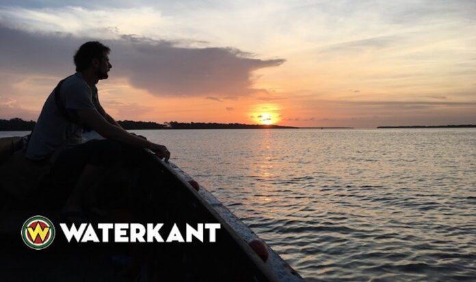 Boot op rivier in Suriname