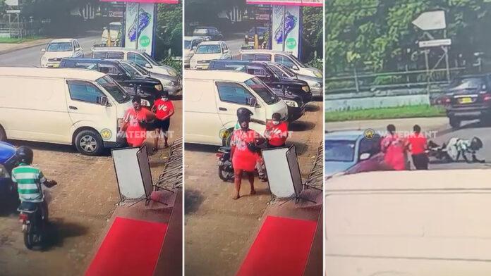 Rover rukt ketting vrouw, botst tegen auto bij vluchten en wordt gepakt