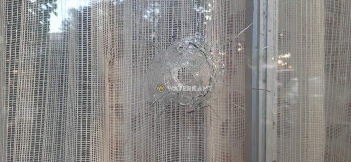 Kogel eindigt in bed van vrouw na schoten bij roofoverval