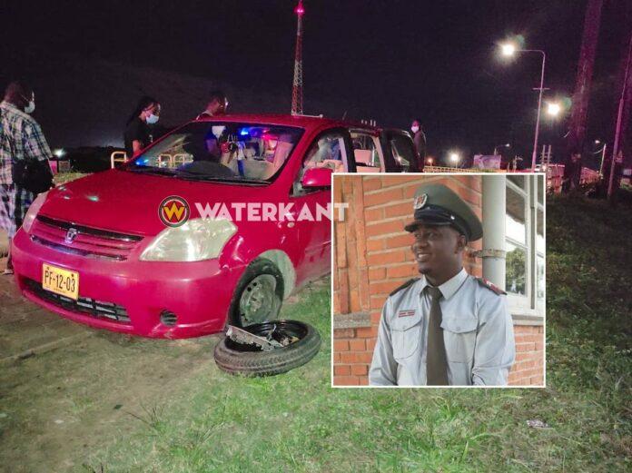 Door aanrijding gewonde brandweerman onderweg naar ziekenhuis overleden