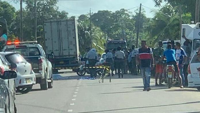 Vrouw en baby overleden na aanrijding met vrachtwagen