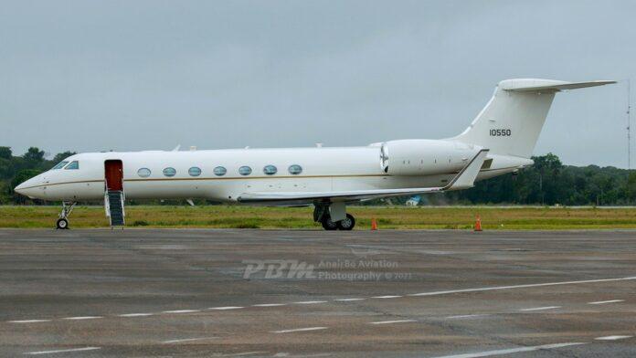 Amerikaanse admiraal Craig Stephen Faller aangekomen in Suriname US Air Force C37B (Gulfstream G550)