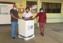 1 voor 12 doneert multifunctionele wasautomaat aan Esther Stichting
