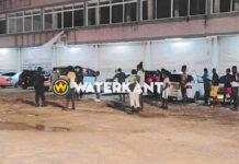 VIDEO: Politie treedt op tegen lockdown overtreders bij Bosje brug
