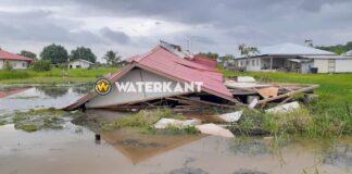 Heel dak van woning weggerukt door zware wind