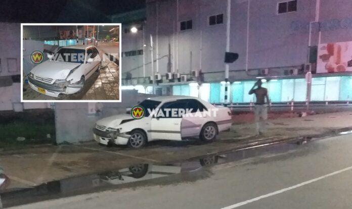 Dronken bestuurder denkt dat hij auto thuis voor de deur parkeert