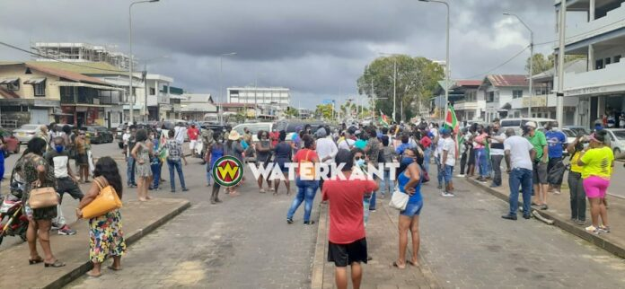 Circa 100 mensen bij protestactie tegen regering in Suriname