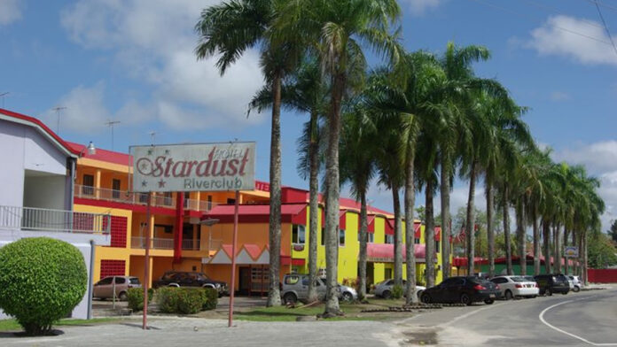 Sluiting en invordering vergunning Hotel Stardust Riverclub