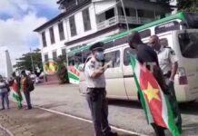 sibrano pique protestactie politie grijpt in