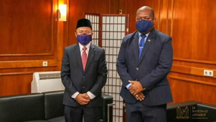 Indonesische ambassadeur op bezoek bij DNA-voorzitter