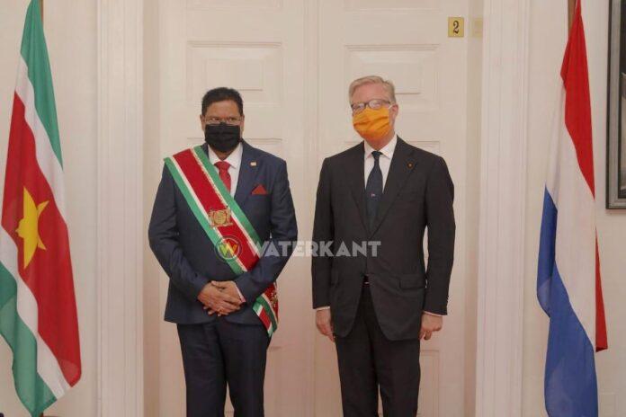 Na jaren weer Nederlandse ambassadeur in Suriname