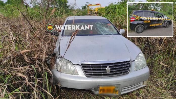 Automobilist valt in slaap en eindigt in bosjes na aanrijding