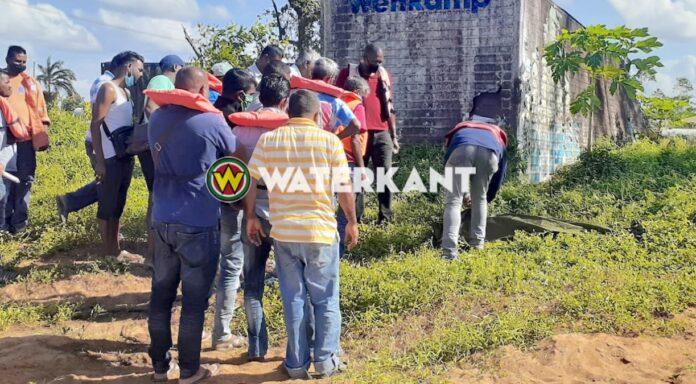 Lijk van brugspringer aangespoeld te Commewijne