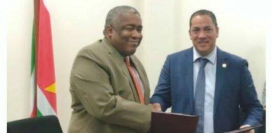 minister Gilmore Hoefdraad en ex-governor CBvS Robert van Trikt