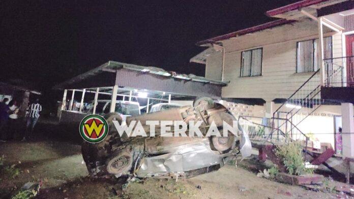 Omgekomen bestuurder Kwattaweg nog onbekend; politie roept nabestaanden op