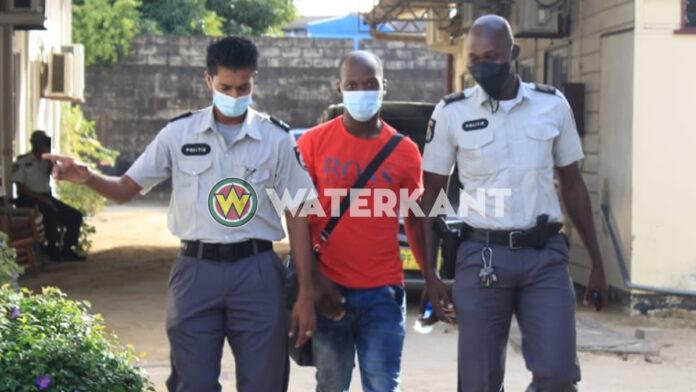 Siebrano Pique aangehouden als lockdown overtreder