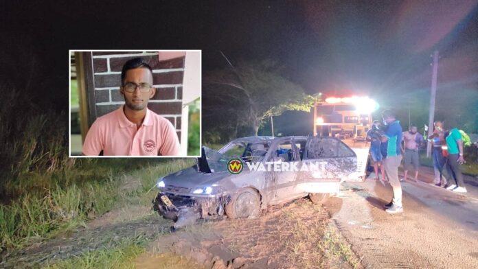Jongeman overleden nadat auto over de kop slaat bij eenzijdig ongeval