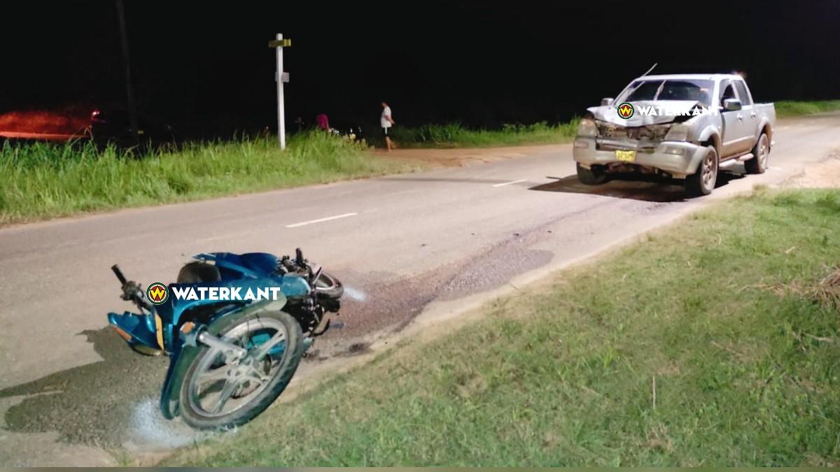 Bromfietser dood na aanrijding met pick-up in Commewijne-2