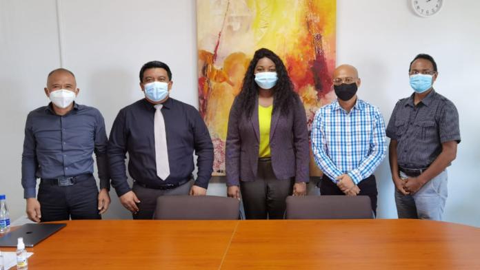 Internet Society Suriname bezoekt minister