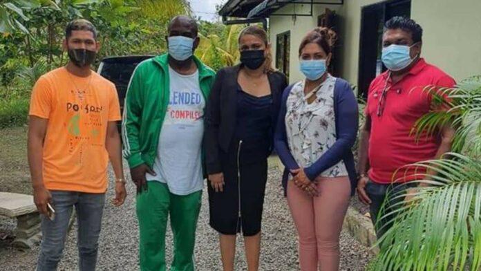 Stichting Victory Outreach ontvangt levensmiddelen van dc
