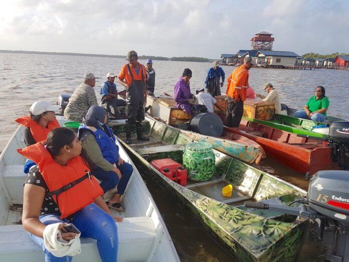 LVV-directoraat Visserij brengt werkbezoek aan Nickerie