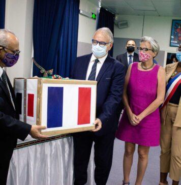 Suriname ontvangt medische spullen van Frankrijk in strijd tegen COVID-19