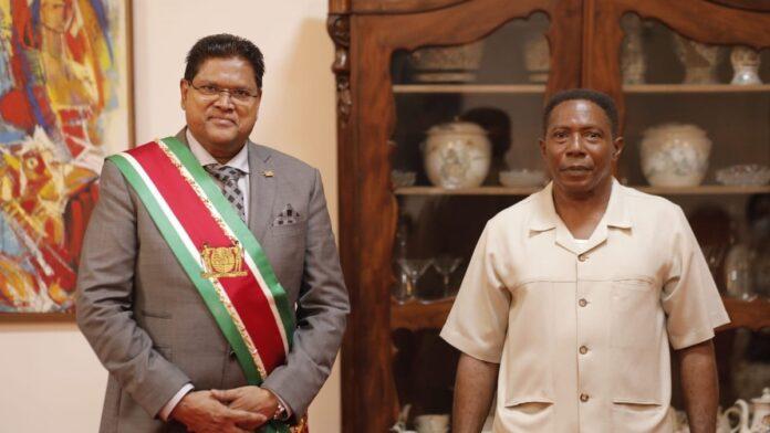 Districtscommissaris Deel van bestuurs-ressort Tapanahony beëdigd