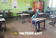 school-leerlingen-in-klas-suriname