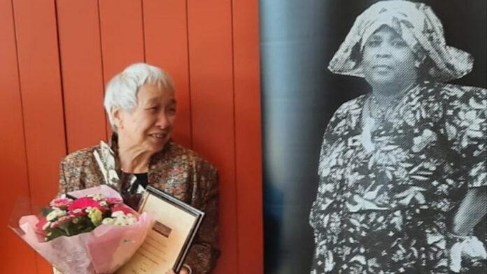 Gouden Vioolspeld voor Twie Tjoa tijdens dokter Sophie Redmondlezing