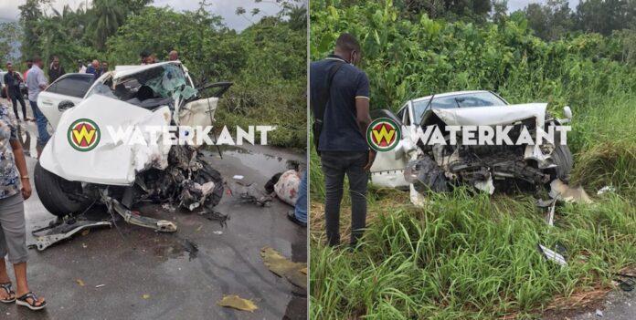 Zwaar verkeersongeval tussen twee voertuigen op Oost-West verbinding