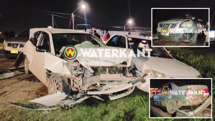 Vier auto's betrokken bij aanrijding Oost-Westverbinding in Suriname