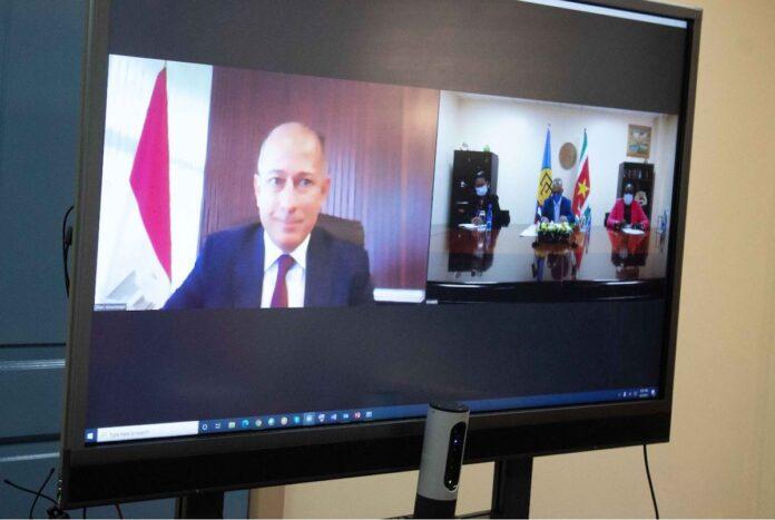 Egyptische ambassadeur Suriname biedt geloofsbrieven aan