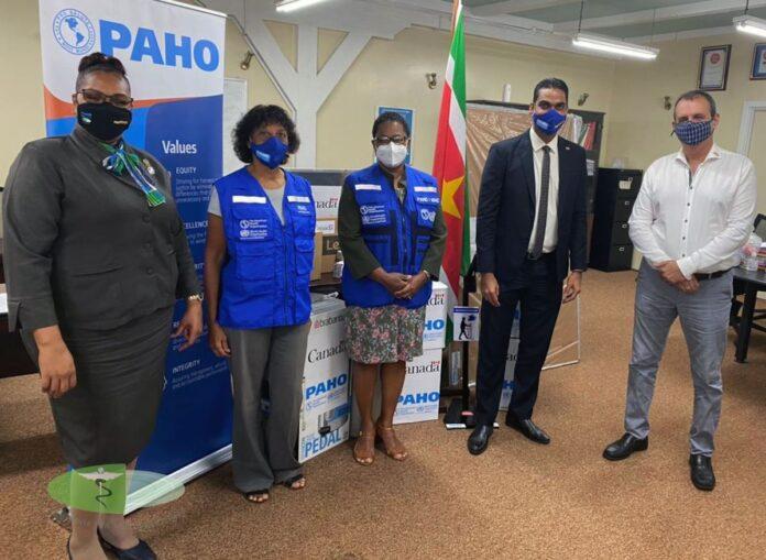 PAHO doet schenking aan bejaardentehuizen in Suriname