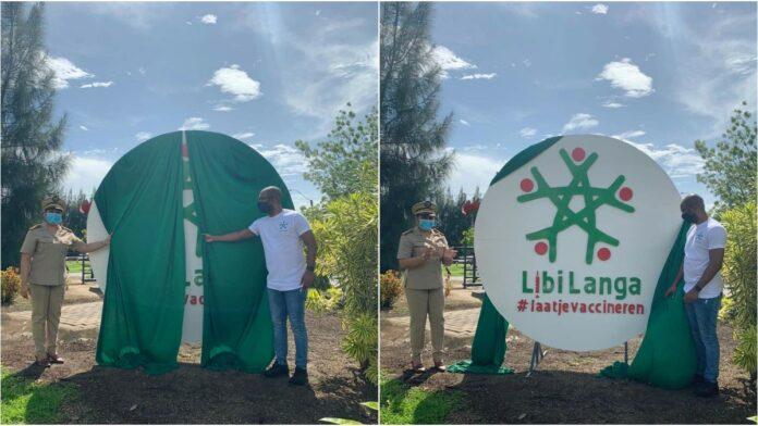 Onthulling Libi Langa bord in Saramacca