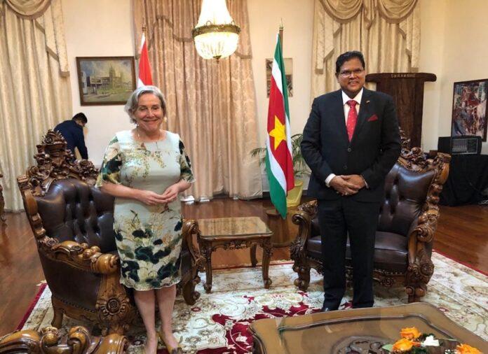 Suriname en Nederland gaan weer militair samenwerken
