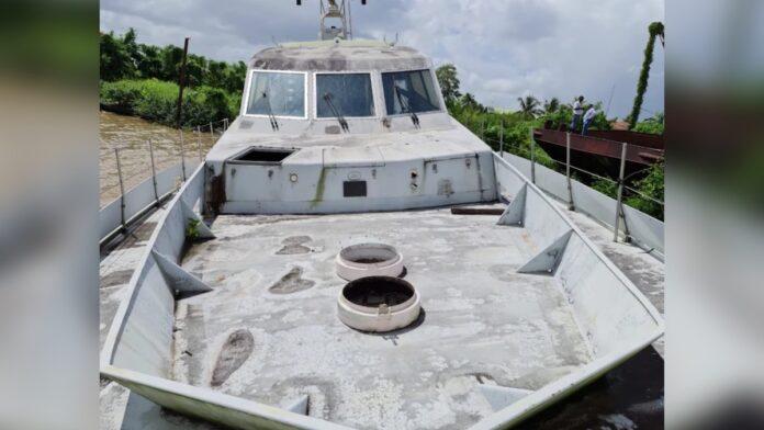 Van Embriqs neemt juridische stappen na uitspraken minister over boten