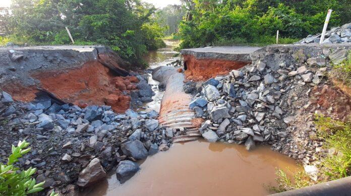 Tweede brug Brownsweg weggespoeld