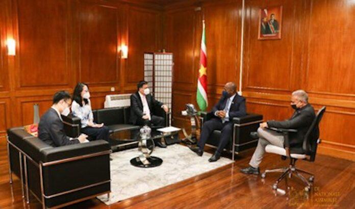 Surinamers weer naar China om trainingen te volgen