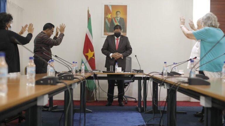 Pasen: Delegatie van geestelijke leiders bezoekt Surinaamse president