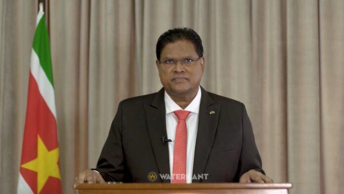 De Surinaamse president Santokhi