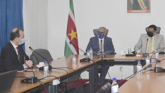 Topman Total presenteert verrichtingen bedrijf binnen aardoliesector Suriname