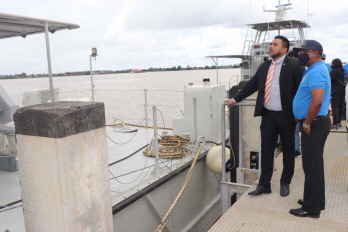 Vaartuigen Kustwacht Suriname beschikken nu over walspanning