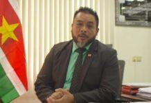 Minister Bronto Somohardjo van Binnenlandse Zaken