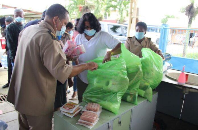 Gezinnen Wageningen geëvacueerd en voorzien van voedselpakketten